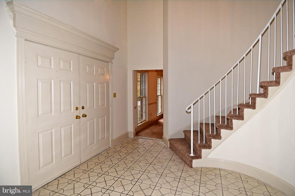 Foyer - 18514 CABIN RD, TRIANGLE