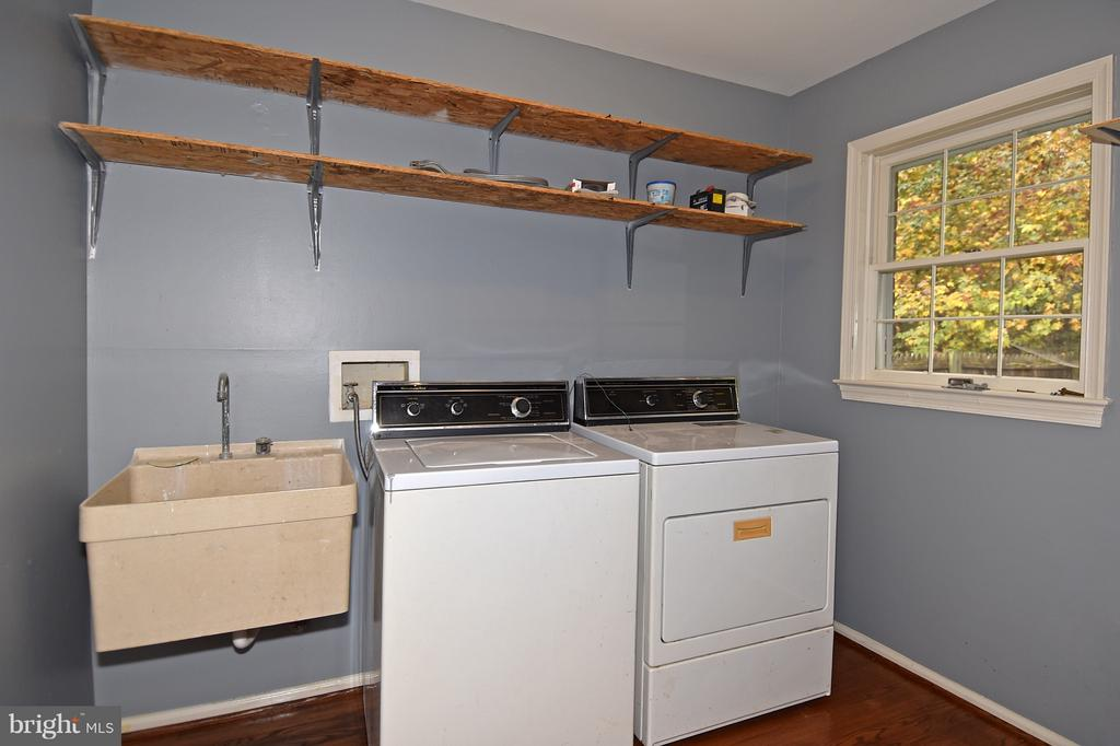 Laundry Room - 18514 CABIN RD, TRIANGLE