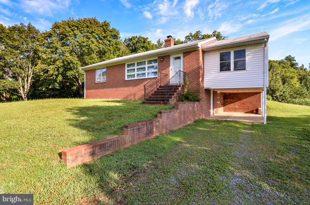 Other Residential for Rent at 10999 Kings Hwy Montross, Virginia 22520 United States
