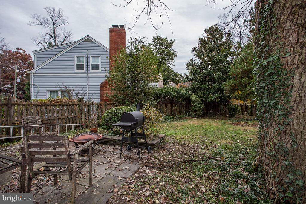 Rear Patio and Fenced Yard - 3837 ALBEMARLE ST NW, WASHINGTON