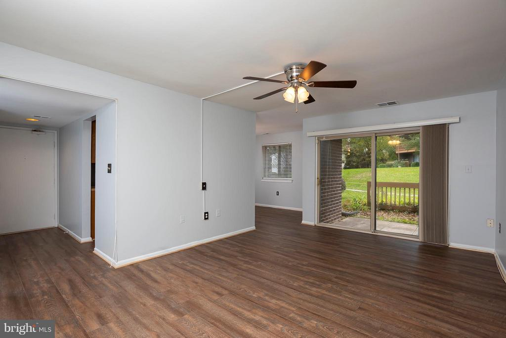 Foyer to Living Room and Kitchen Area - 5041 GREEN MOUNTAIN CIR #2, COLUMBIA