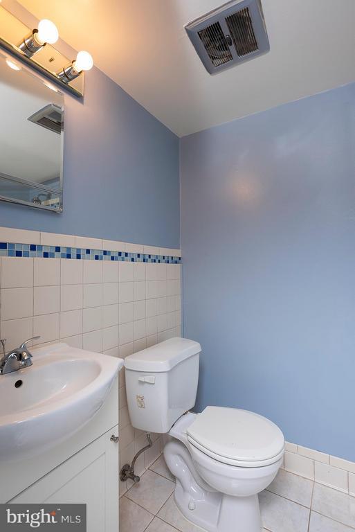 Master Bathroom Vanity - 5041 GREEN MOUNTAIN CIR #2, COLUMBIA