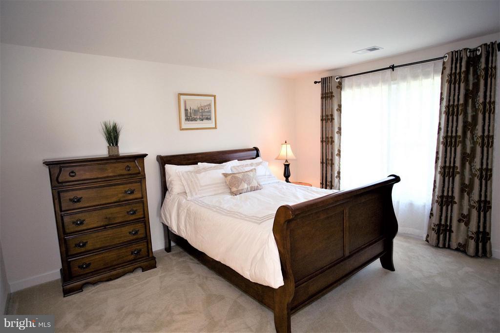 Bedroom - 2626 CHAIN BRIDGE RD, VIENNA