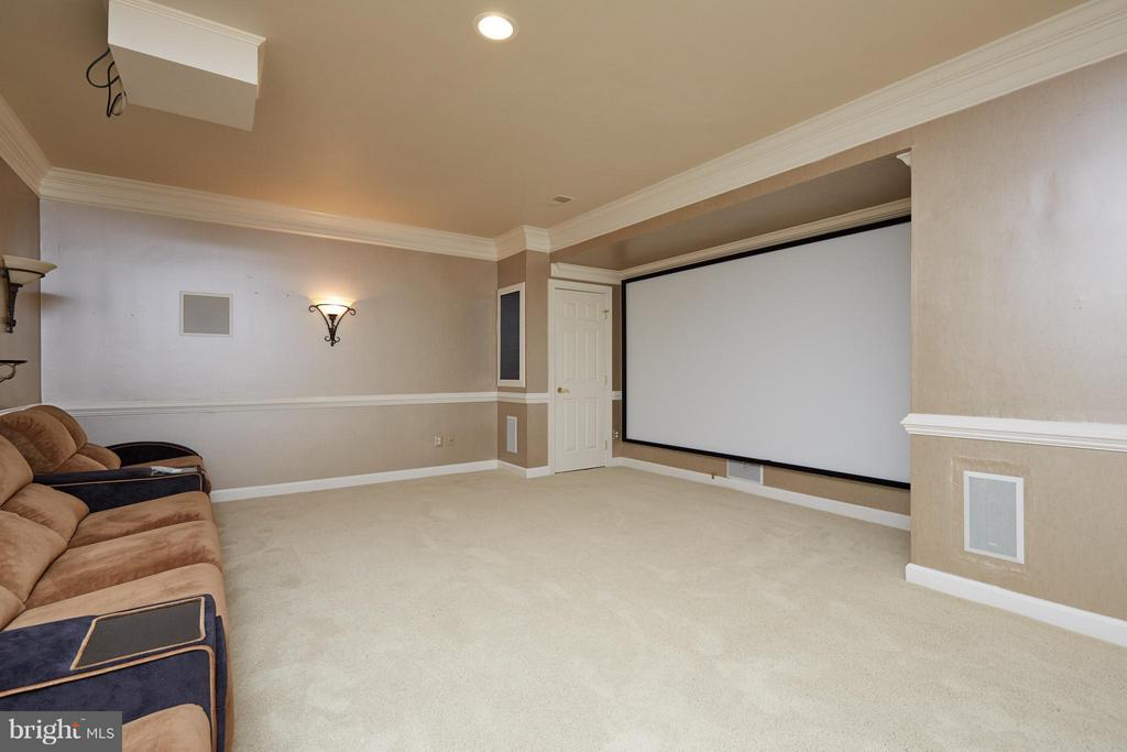 Home Theater - Equipment & Seating Convey - 3860 FARRCROFT DR, FAIRFAX