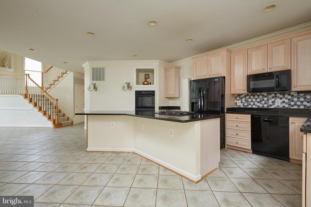 Kitchen with Updated Appliances - 3860 FARRCROFT DR, FAIRFAX