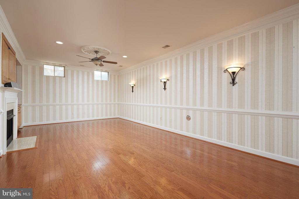 Recreation Room - 3860 FARRCROFT DR, FAIRFAX