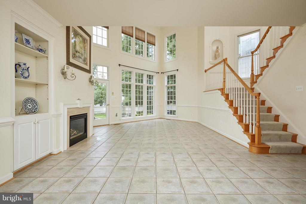 Floor to Ceiling Windows - 3860 FARRCROFT DR, FAIRFAX