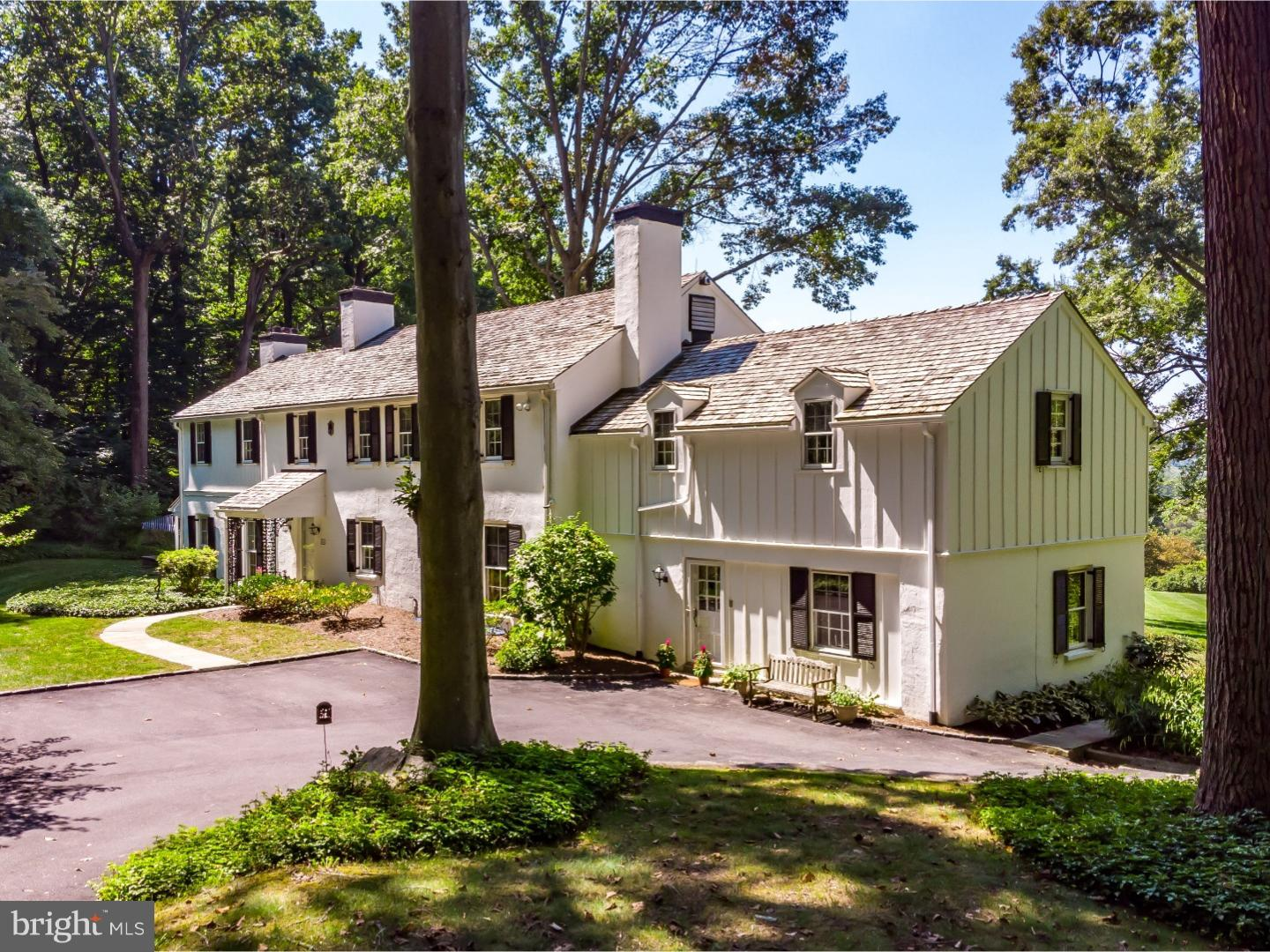 Photo of home for sale at 4018 Goshen Road, Newtown Square PA