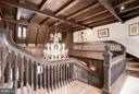 Staircase / Upper landing / Gallery - 8110 GEORGETOWN PIKE, MCLEAN