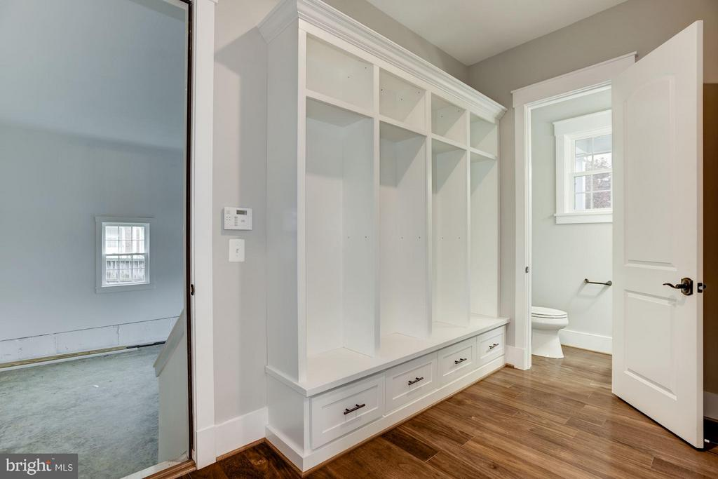 Mud Room - 2014 BURFOOT ST, FALLS CHURCH