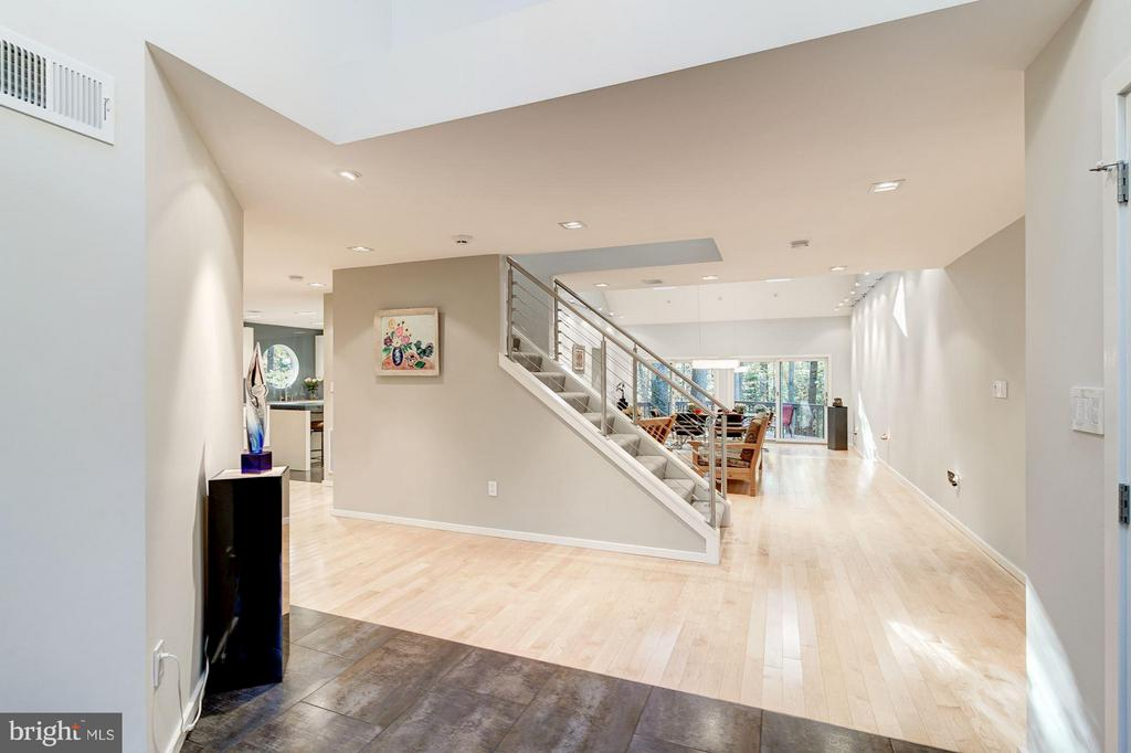 Clean lines and contemporary style - 11903 TRIPLE CROWN RD, RESTON