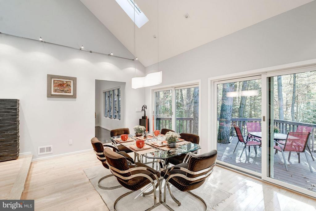 Perfect for formal or informal dining - 11903 TRIPLE CROWN RD, RESTON