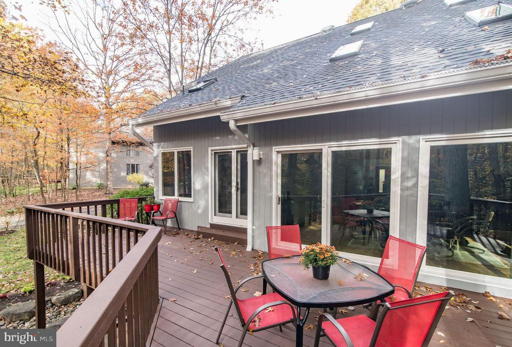 Rear deck for indoor-outdoor living & dining - 11903 TRIPLE CROWN RD, RESTON