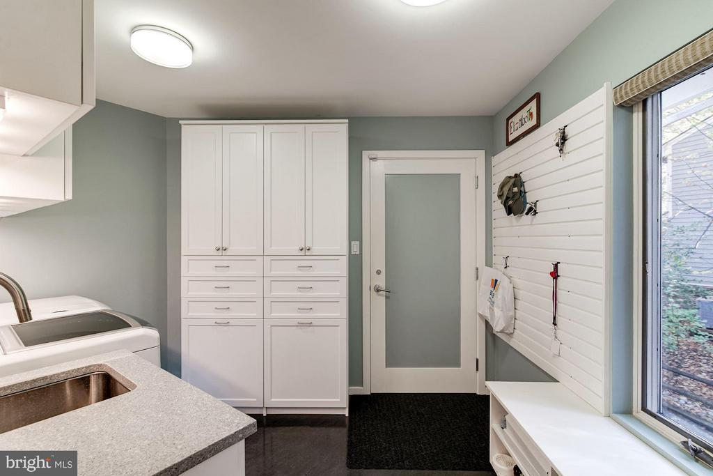 Mud room / Laundry with Garage Access - 11903 TRIPLE CROWN RD, RESTON
