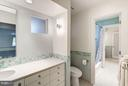 Twin Baths on the Upper Level share a tub - 11903 TRIPLE CROWN RD, RESTON