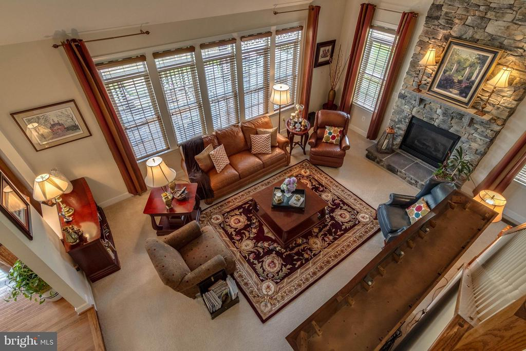 Two Story Family Room - 3428 LOGSTONE DR, TRIANGLE