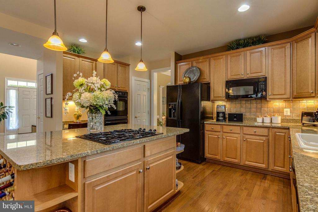 Kitchen - 3428 LOGSTONE DR, TRIANGLE