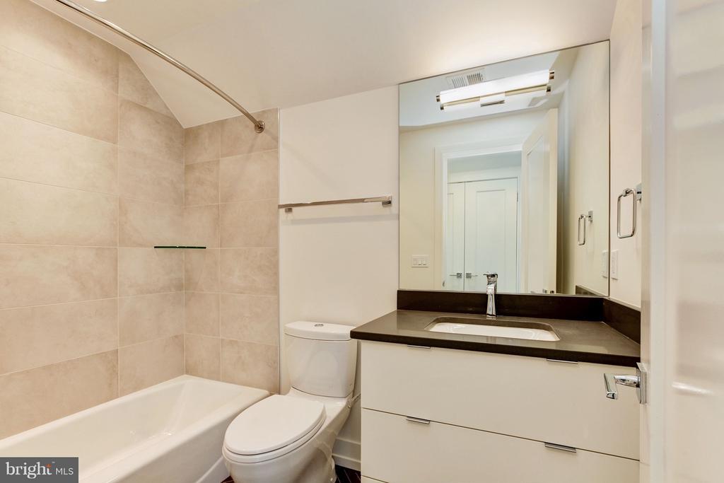 Fourth Bath - 3006 UNIVERSITY TER NW, WASHINGTON