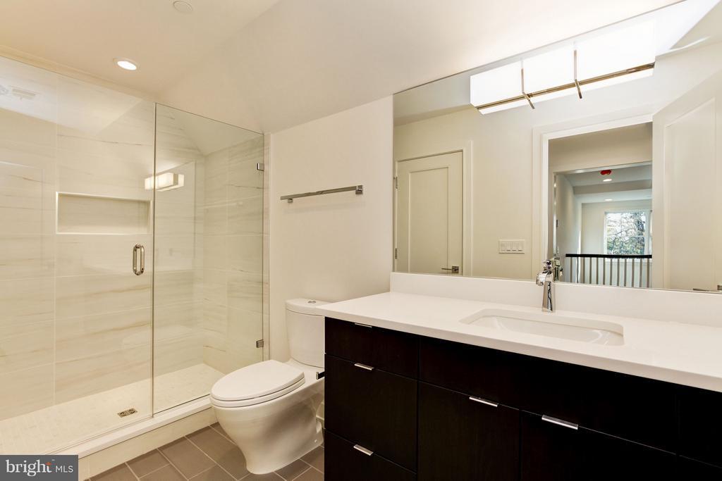 Fifth Bath - 3006 UNIVERSITY TER NW, WASHINGTON