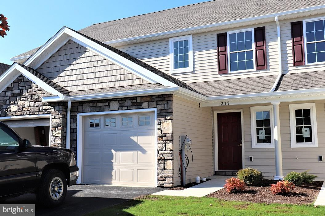 Photo of home for sale at 239 Lakeside Crossing, Mount Joy PA