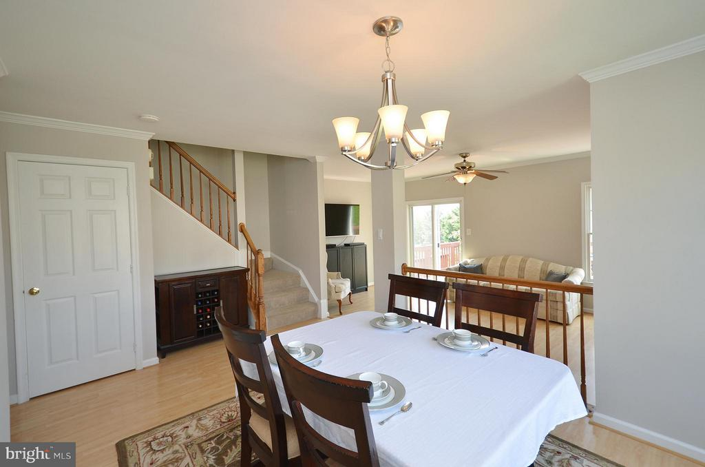 Spacious Dining Room - 44067 LACEYVILLE TER, ASHBURN