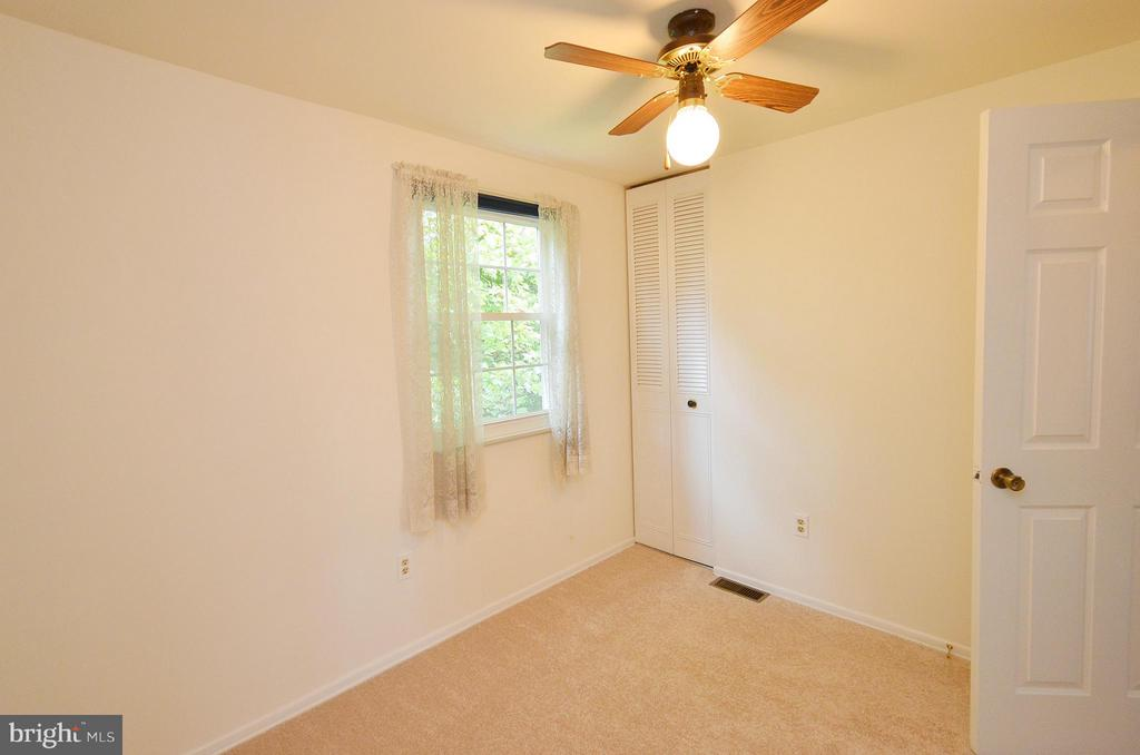 Bedroom 4 with New Carpet - 1309 BEECH RD, STERLING