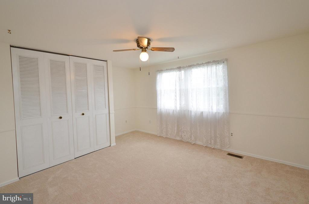 Bedroom 2 with New Carpet - 1309 BEECH RD, STERLING