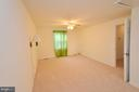 Large Master Bedroom - 1309 BEECH RD, STERLING