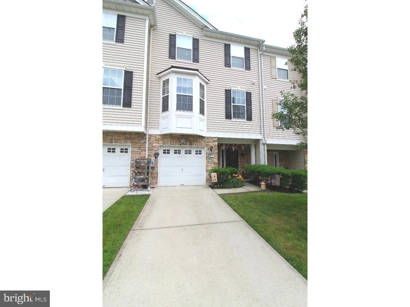 Photo of home for sale at 159 Acorn Drive, Mount Royal NJ