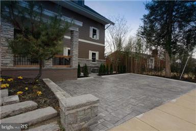 Exterior (Front) - 6430 27TH ST N, ARLINGTON