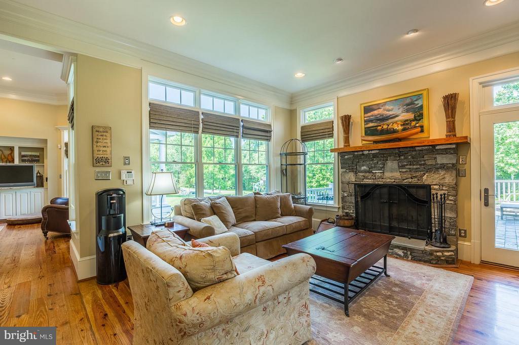 Family room off kitchen and breakfast area - 14422 LIGHTNER RD, HAYMARKET