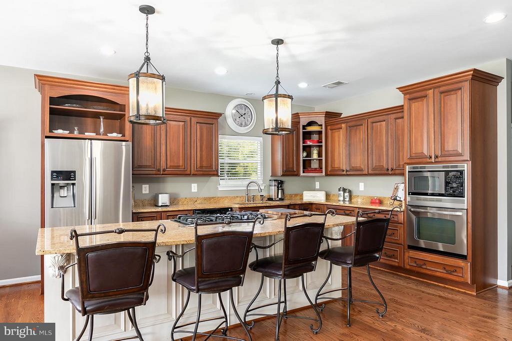 Kitchen - 40727 LOVETTSVILLE RD, LOVETTSVILLE