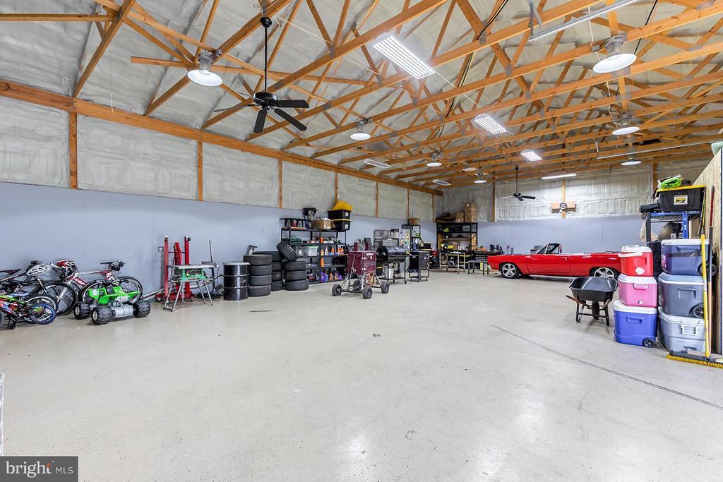 Shop/Detached Garage - 40727 LOVETTSVILLE RD, LOVETTSVILLE