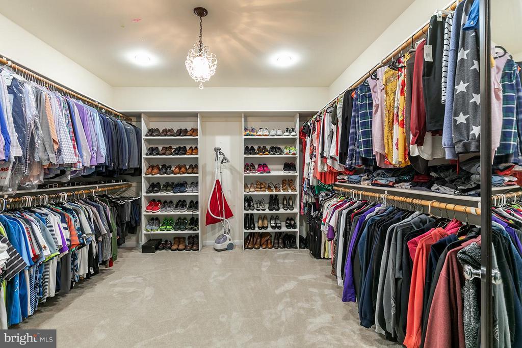 Master Closet - 40727 LOVETTSVILLE RD, LOVETTSVILLE
