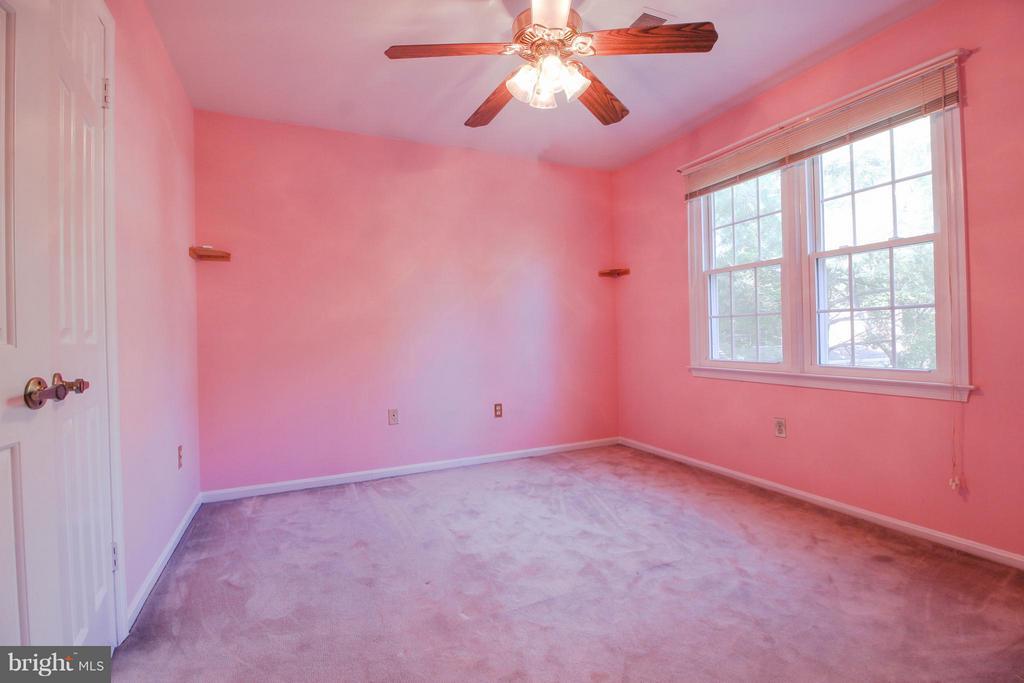 Bedroom 2 - 402 AUTUMN OLIVE WAY, STERLING