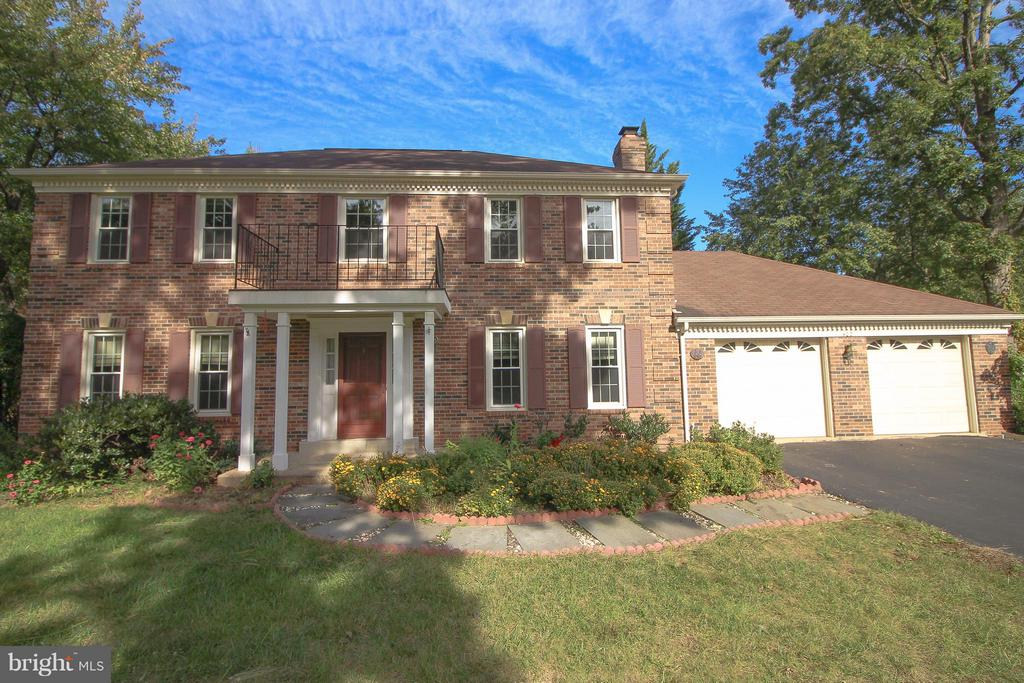 Welcome Home to 402 Autumn Olive Way! - 402 AUTUMN OLIVE WAY, STERLING