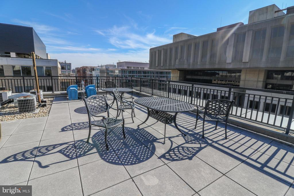 Plenty of space to hold large parties - 915 E ST NW #306, WASHINGTON