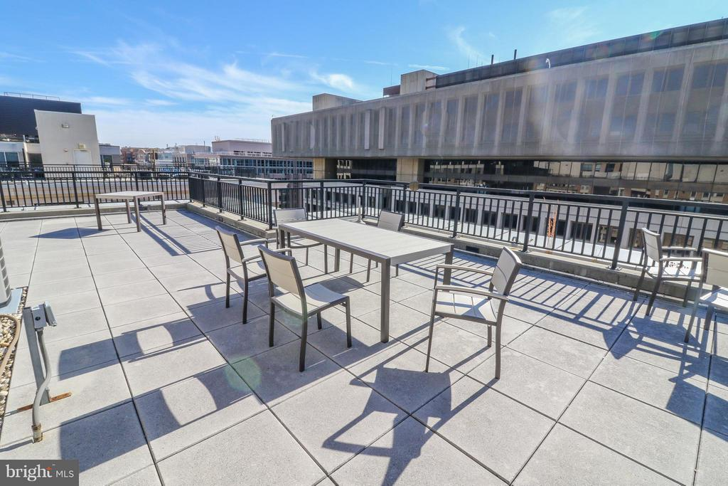 Even more entertaining space! - 915 E ST NW #306, WASHINGTON