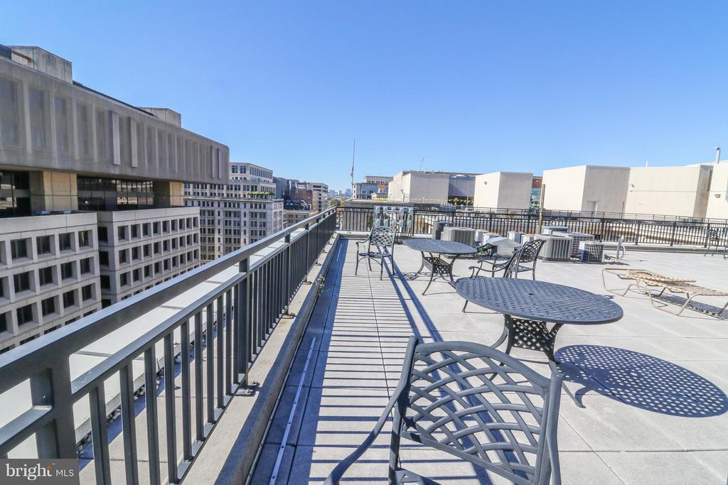 Roof top deck - 915 E ST NW #306, WASHINGTON