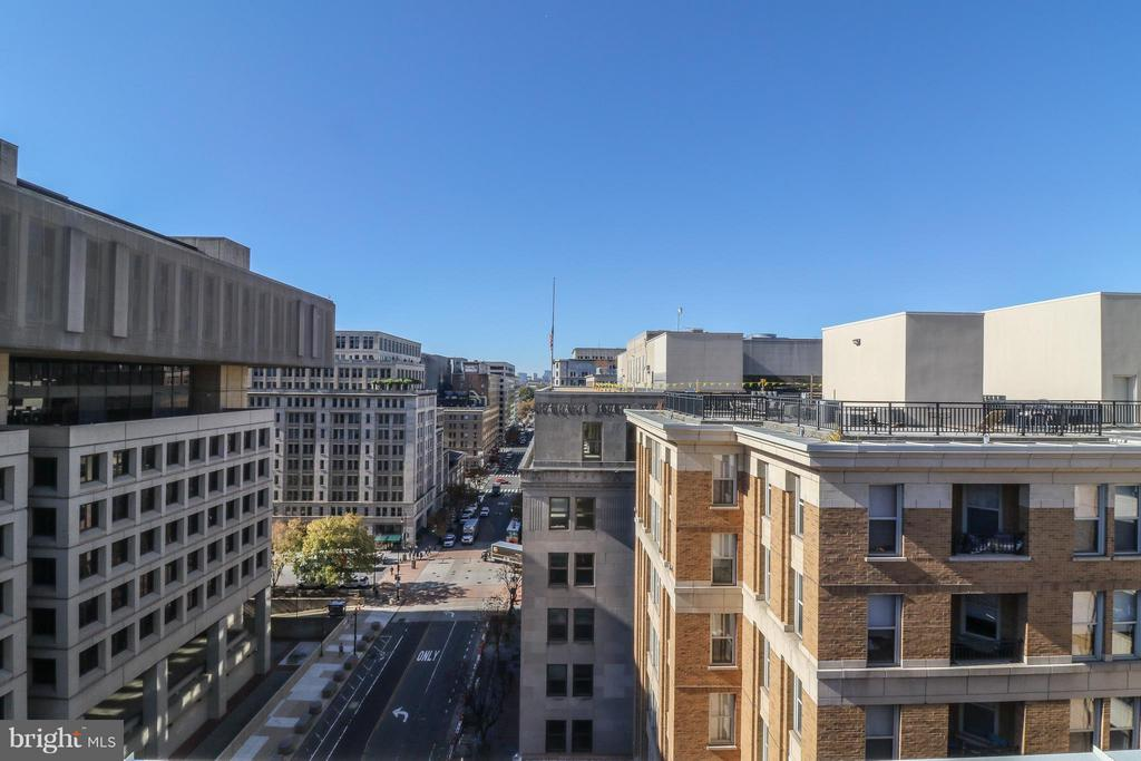 Great city views - 915 E ST NW #306, WASHINGTON