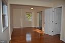 Master bedroom with natural sun light - 7412 BRADDOCK RD, ANNANDALE