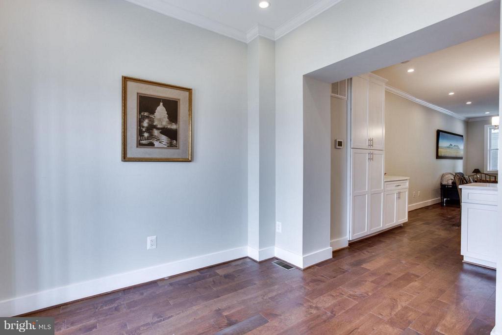 Family Room - 5310 KANSAS AVE NW, WASHINGTON
