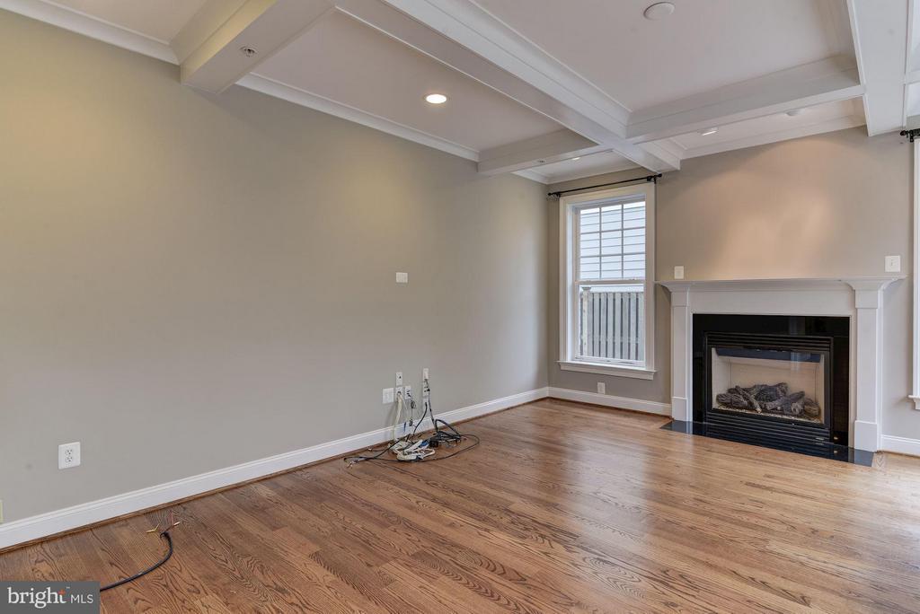 Large family room off kitchen - 4516 WINDSOR LN, BETHESDA