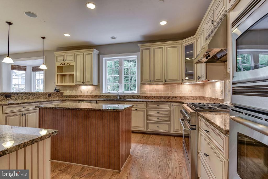 Very spacious gourmet kitchen - 4516 WINDSOR LN, BETHESDA