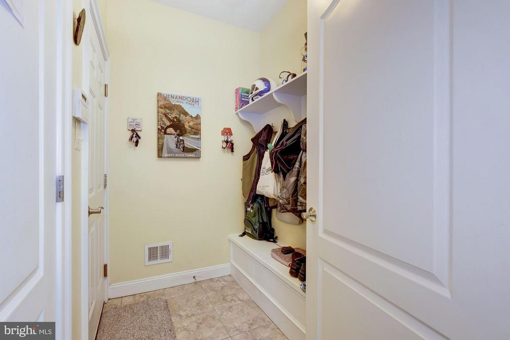 Mudroom accessed from garage - 4516 WINDSOR LN, BETHESDA