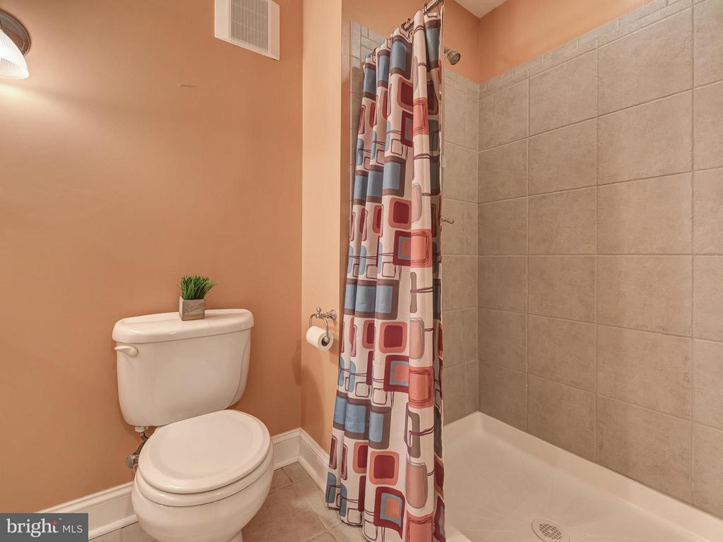 Bath. - 9038 CLENDENIN WAY, FREDERICK