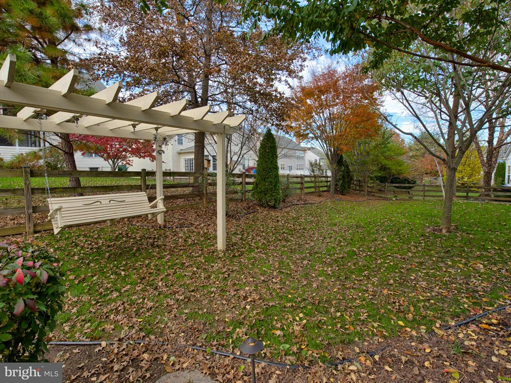 Enjoy the backyard swing. - 9038 CLENDENIN WAY, FREDERICK