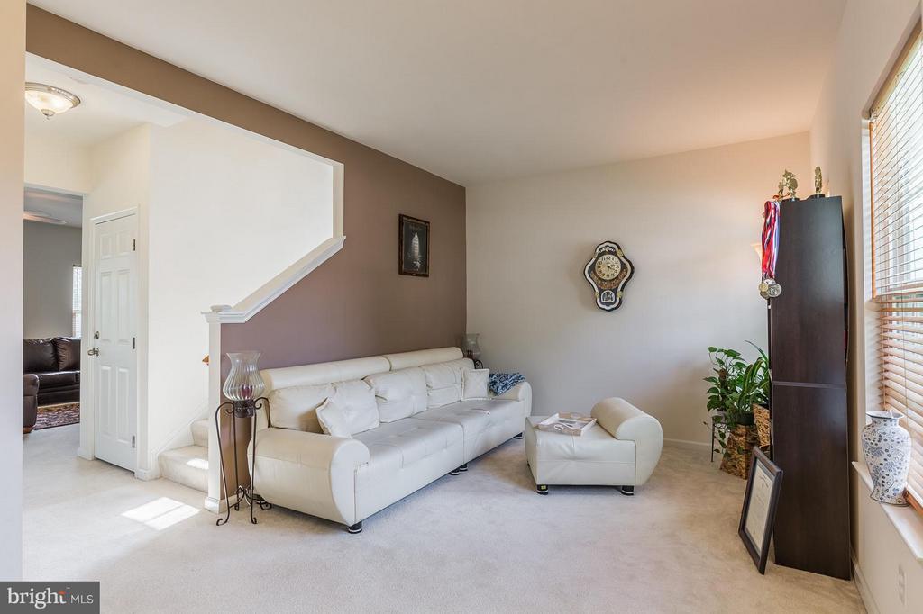 Living Room - 56 BISMARK DR, STAFFORD