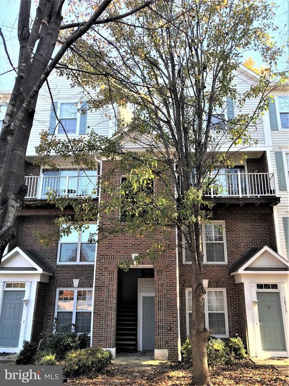 12715  FAIR CREST COURT  70-304 22033 - One of Fairfax Homes for Sale