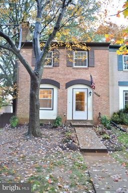 Property for sale at 14849 Leicester Ct, Centreville,  VA 20120